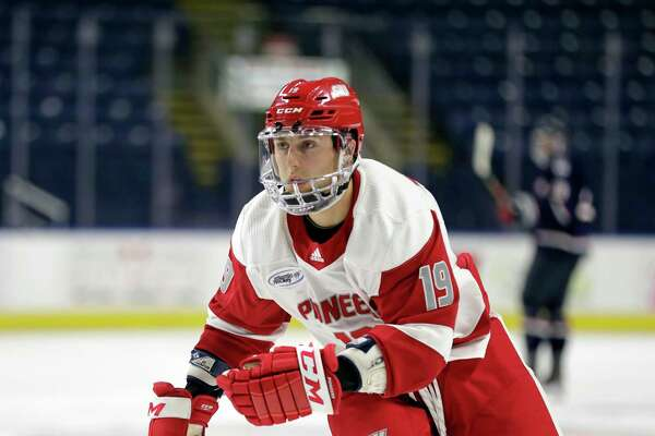 Junior Matt Tugnutt has a career high 12 goals for Sacred Heart heading into this weekend's Connecticut Ice tournament at Webster Bank Arena.