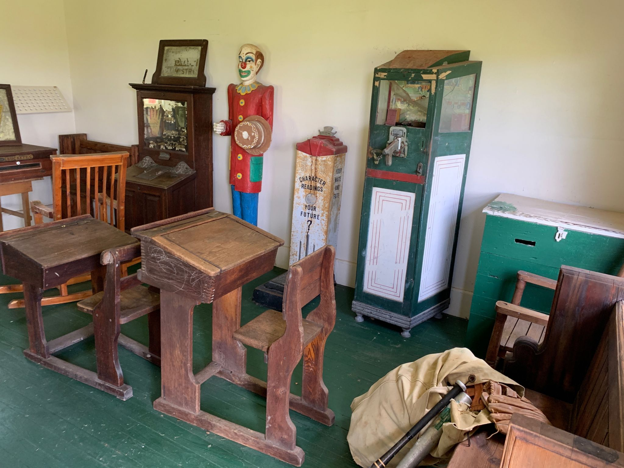Auction features goods from Denton Cooley's family ranch, Cool Acres