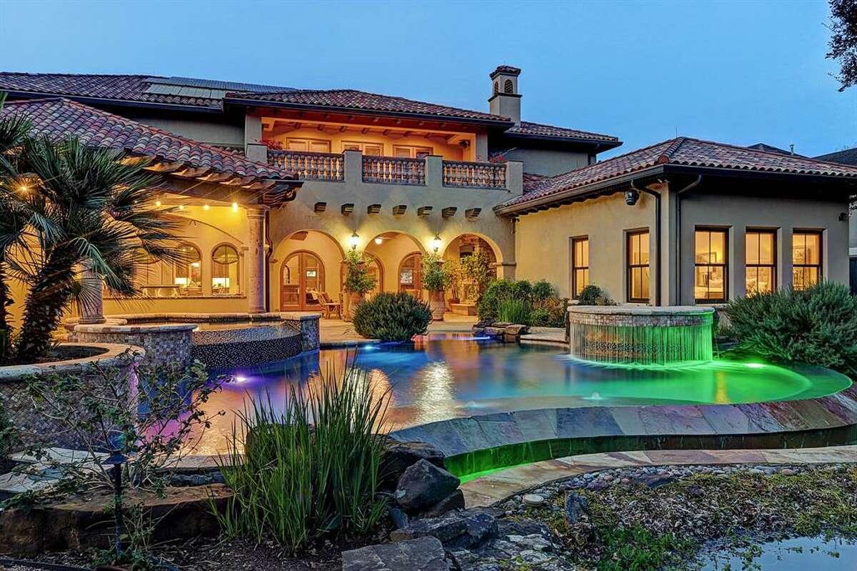7.5409 Valerie Street, BellaireHouse sold: $2.5 million - $2.9 million5 bed   6 full & 2 half bath   9,182 sq. ft.