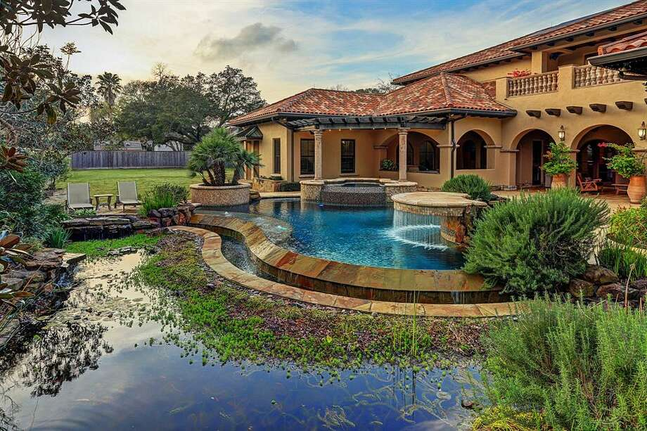 7. 5409 Valerie Street, BellaireHouse sold: $2.5 million - $2.9 million5 bed | 6 full & 2 half bath | 9,182 sq. ft.