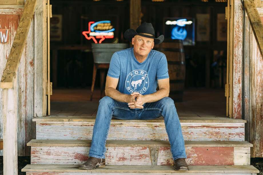 Kevin Fowler will help start the Spurs' 2019-2020 season with a postgame concert on opening night. Photo: Natalie Rhea