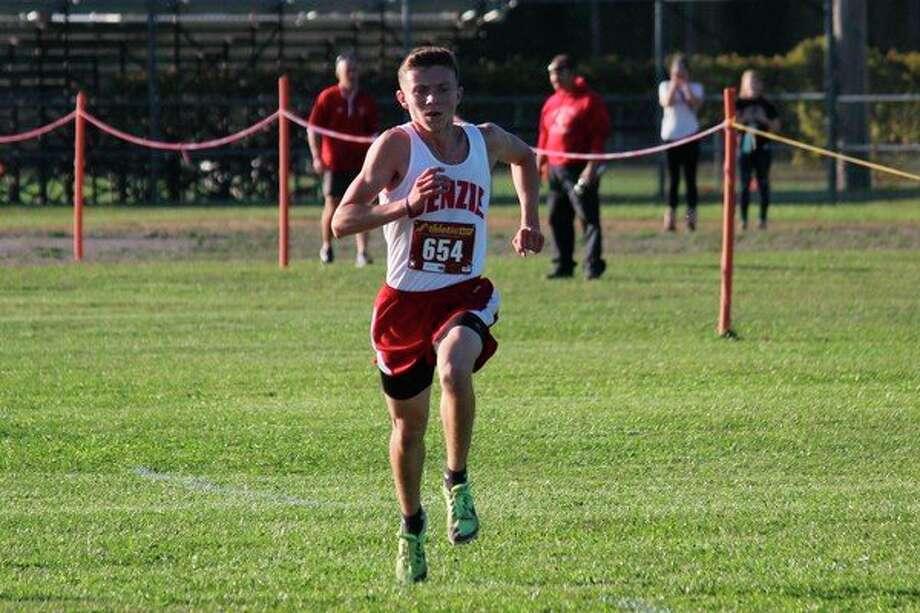 Hunter Jones races toward his goals as he sprints down the home stretch. (Photo/Robert Myers)