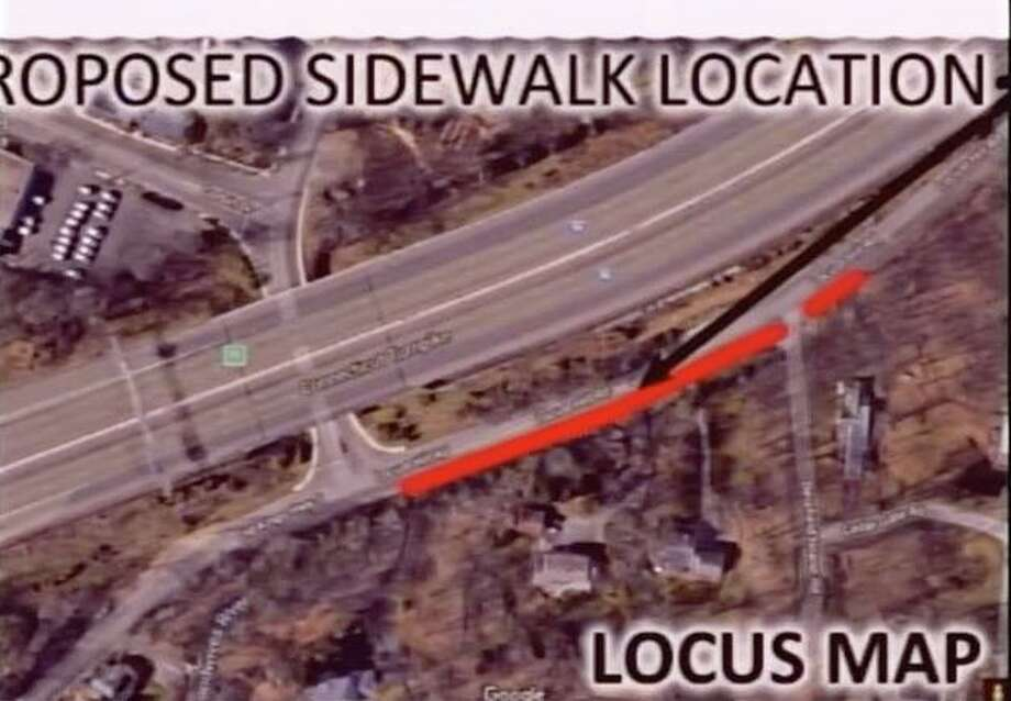 A map of the proposed sidewalk extension on Locust Hill Road in Darien Photo: Darien TV79 / / Connecticut Post