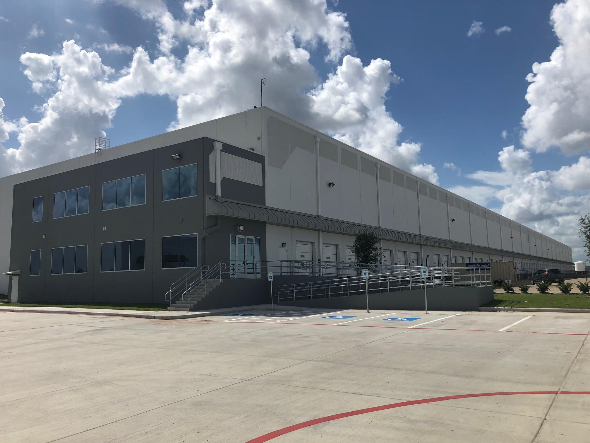 Deal of the week: Pennsylvania office furniture distributor inks Texas-sized industrial lease