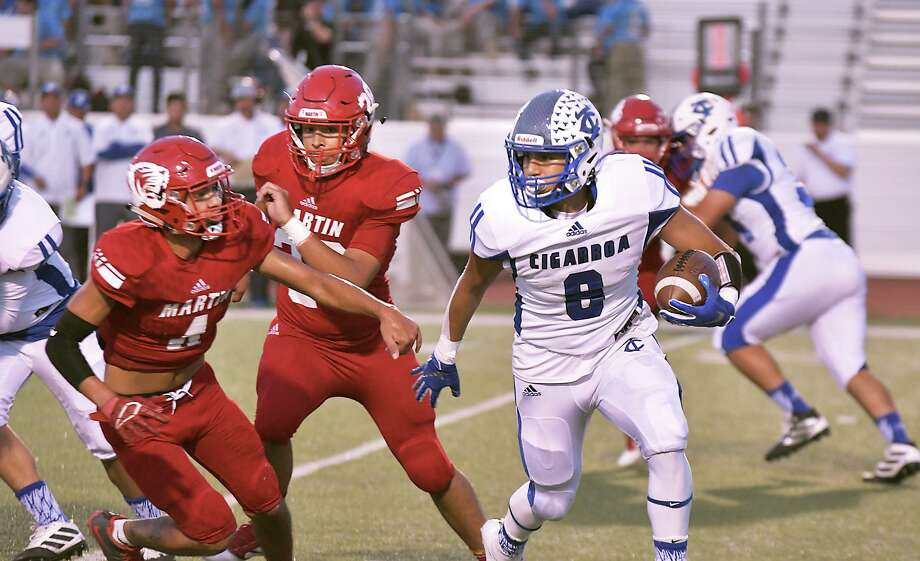 Alex Guzman and Cigarroa aim to get back into the win column as they travel to Roma for a 7 p.m. contest Friday. Photo: Cuate Santos /Laredo Morning Times File / Laredo Morning Times