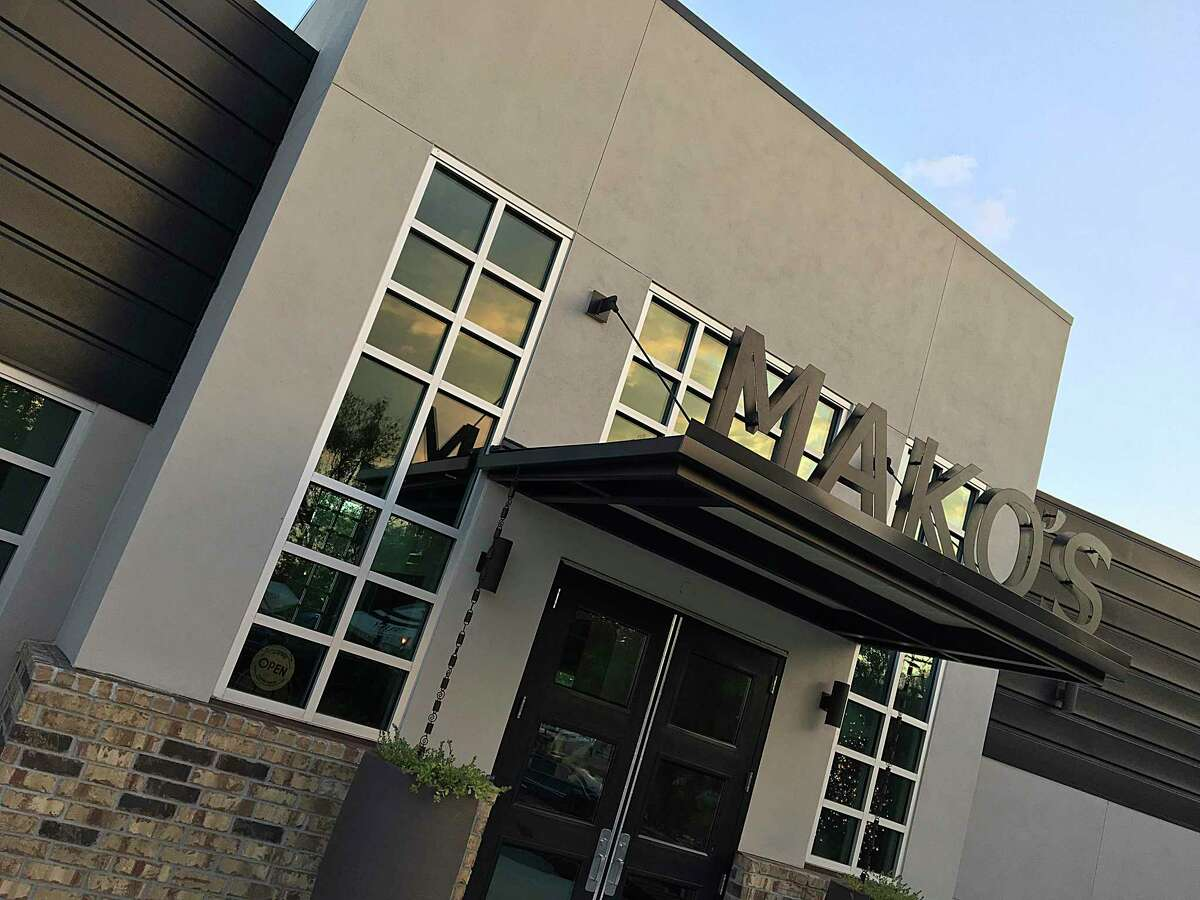 Mako's on the Creek in Cibolo is now featuring both curbside and delivery of the entire menu.