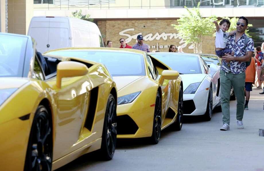 Annual Lamborghini Festival at CityCentre. Photo: Yi-Chin Lee, Staff / Houston Chronicle / © 2016  Houston Chronicle