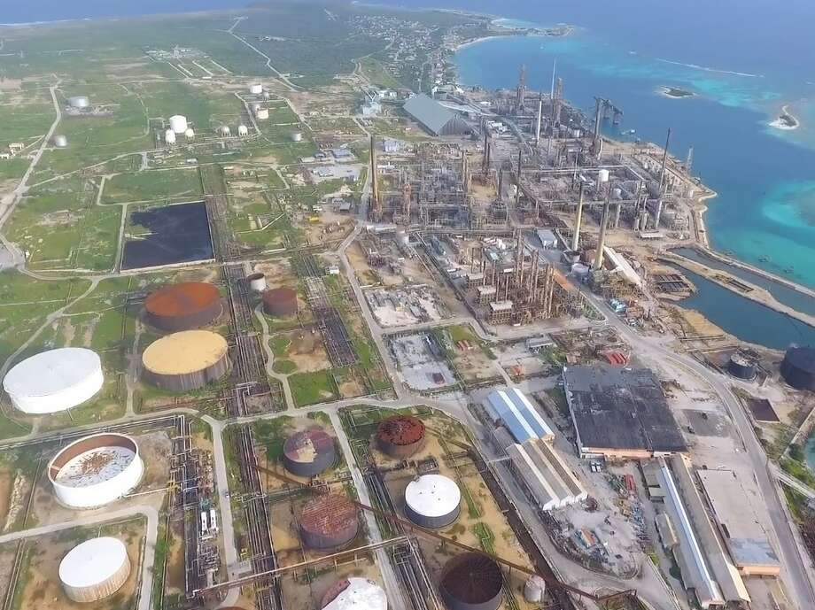 The Dutch Caribbean Island of Aruba is planning to look for new investors in Houston after negotiating an early end to a troubled contract with Citgo to restore and operate a long-idled refinery. Photo: Gobierno Di Aruba