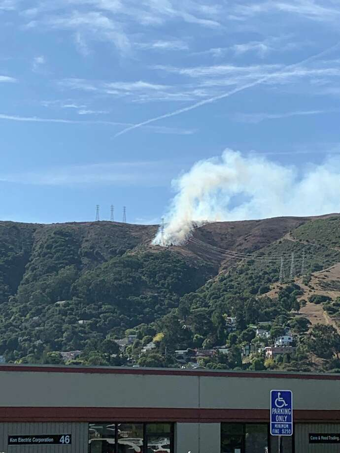 A grass fire erupted late Thursday morning on San Bruno Mountain above the city of Brisbane in San Mateo County, Thursday, Oct. 10, 2019. Photo: City Of Brisbane