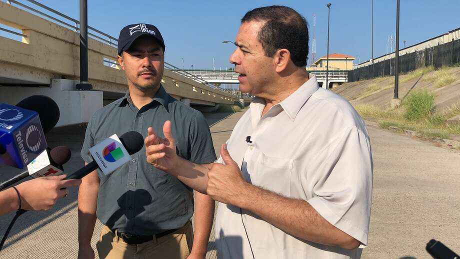 Congressmen Joaquin Castro and Henry Cuellar visited the immigration court tents in Laredo Tuesday. Photo: Courtesy