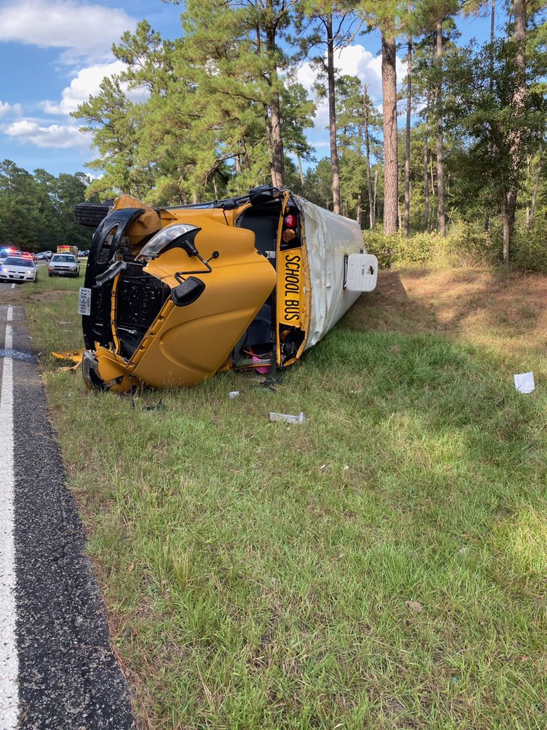 Huntsville ISD bus carrying football team crashes on the way to game in Montgomery County