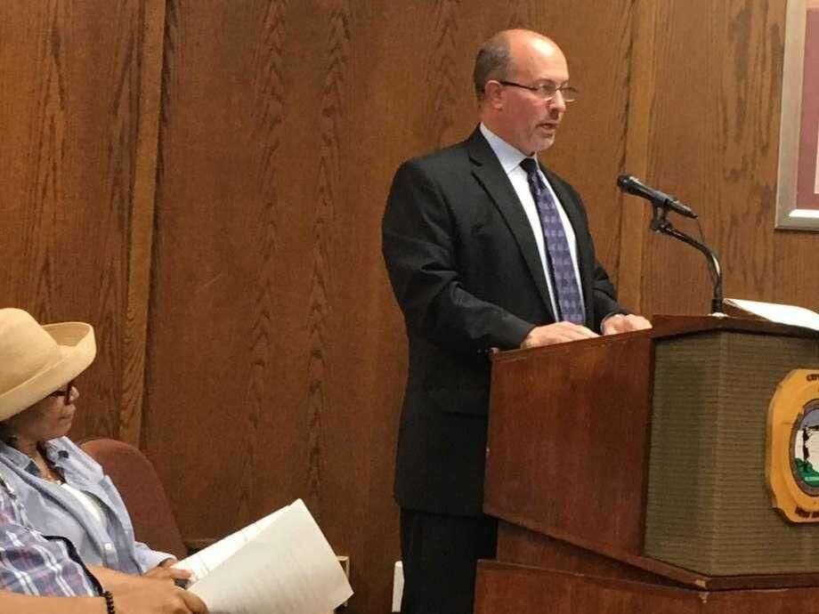 Auditor Joseph Centofanti of PKF O'Connor Davies discusses West Haven's 2016-17 audit with the City Council at City Hall.