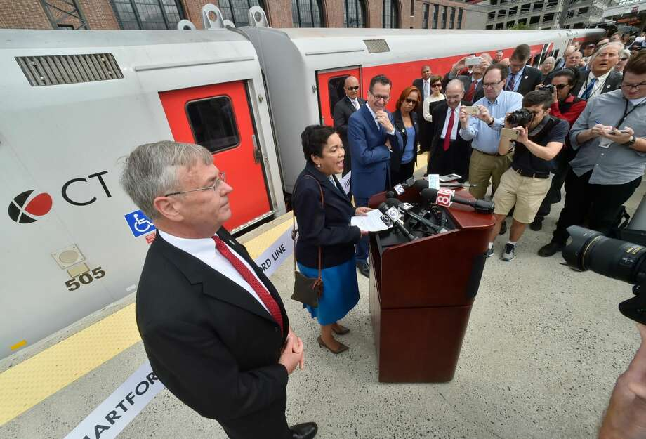 The new CTrail Hartford Line Connecticut Rail commuter service was officially launched in June with frequent train service between New Haven, Hartford and Springfield. The main ceremony took place at Hartford's Union Station with a preliminary ribbon-cutting ceremony in New Haven.