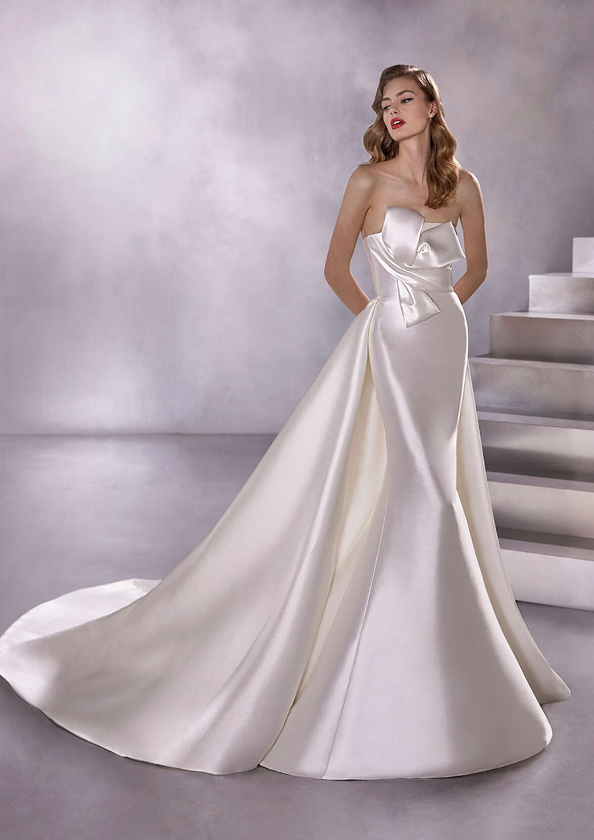 Black Star B Pronovias Boutique Houston is one of seven new bridal stores that the brand is opening across the country, joining the first-ever American store in New York.