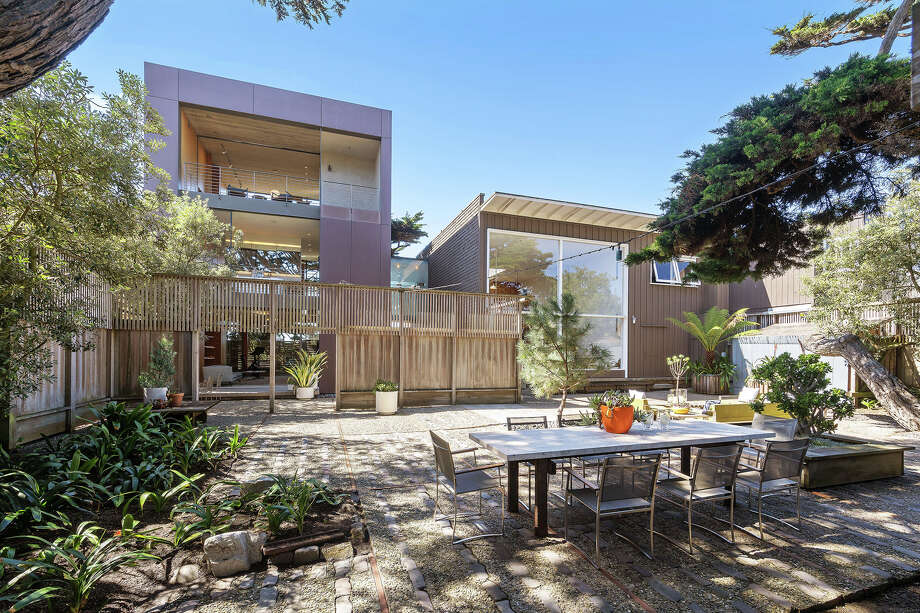 A mid-century home with a tower hidden along Ocean Beach's Great Highway is offered off-market for $8M Photo: Doni Denis, Open Homes Photography And  Robert Schlatte / donisphotos.com