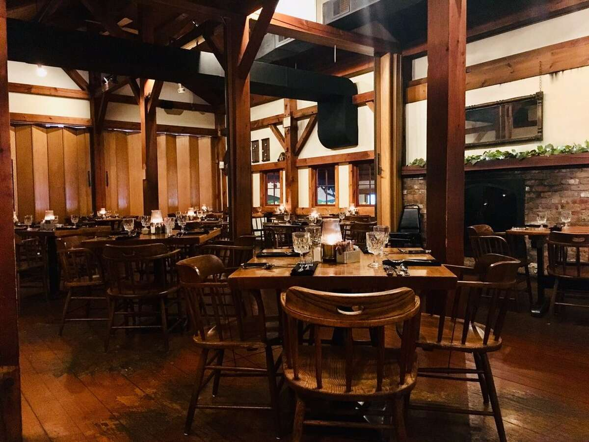 Barnsider Restaurant: Offering a three-course meal for $30. See menu.