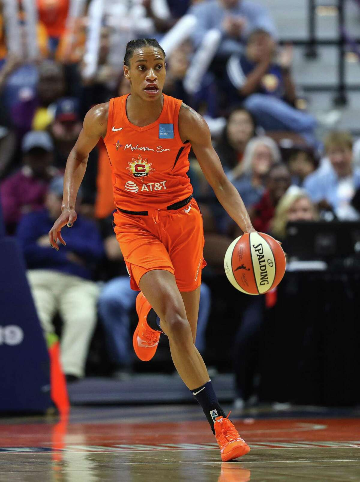 UNCASVILLE, CONNECTICUT - OCTOBER 08: Jasmine Thomas #5 of Connecticut Sun dribbles downcourt during Game Four of the 2019 WNBA Finals between the Washington Mystics and Connecticut Sun at Mohegan Sun Arena on October 08, 2019 in Uncasville, Connecticut. The Sun defeat the Mystics 90-86. (Photo by Maddie Meyer/Getty Images)