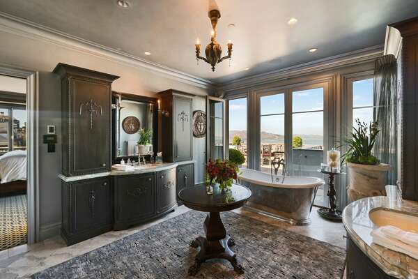 On the legendary Gold Coast of San Francisco's Pacific Heights, 2799 Broadway offers a 11,558-square-foot manor on a corner lot with sweeping views.