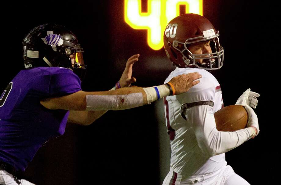 Magnolia defensive back Hunter Kitchens (20) makes a return after interception a pass by Willis quarterback Steele Bardwell during the third quarter of a District 8-5A high school football game at Berton A. Yates Stadium, Friday, Oct. 11, 2019, in Willis. Photo: Jason Fochtman, Houston Chronicle / Jason Fochtman / Houston Chronicle