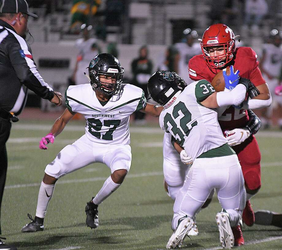 Running back Jose Castaneda and Martin suffered their first district loss of the season as they fell to Southwest Friday. Photo: Cuate Santos /Laredo Morning Times / Laredo Morning Times