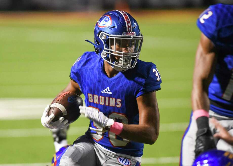 West Brook's Jordan Guidry runs the ball down the field during the first half of the game at BISD's Memorial Stadium Friday night. Photo taken on Friday, 10/11/19. Ryan Welch/The Enterprise Photo: Ryan Welch, Beaumont Enterprise / The Enterprise / © 2019 Beaumont Enterprise