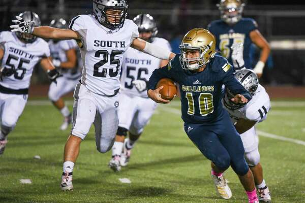 Alexander quarterback Jay Santos has 14 touchdown passes and one interception in seven games this season.
