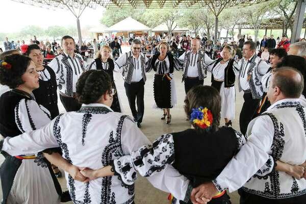 'Vlad the Impaler' wows San Antonio crowd at Romanian community's Dracula Fest