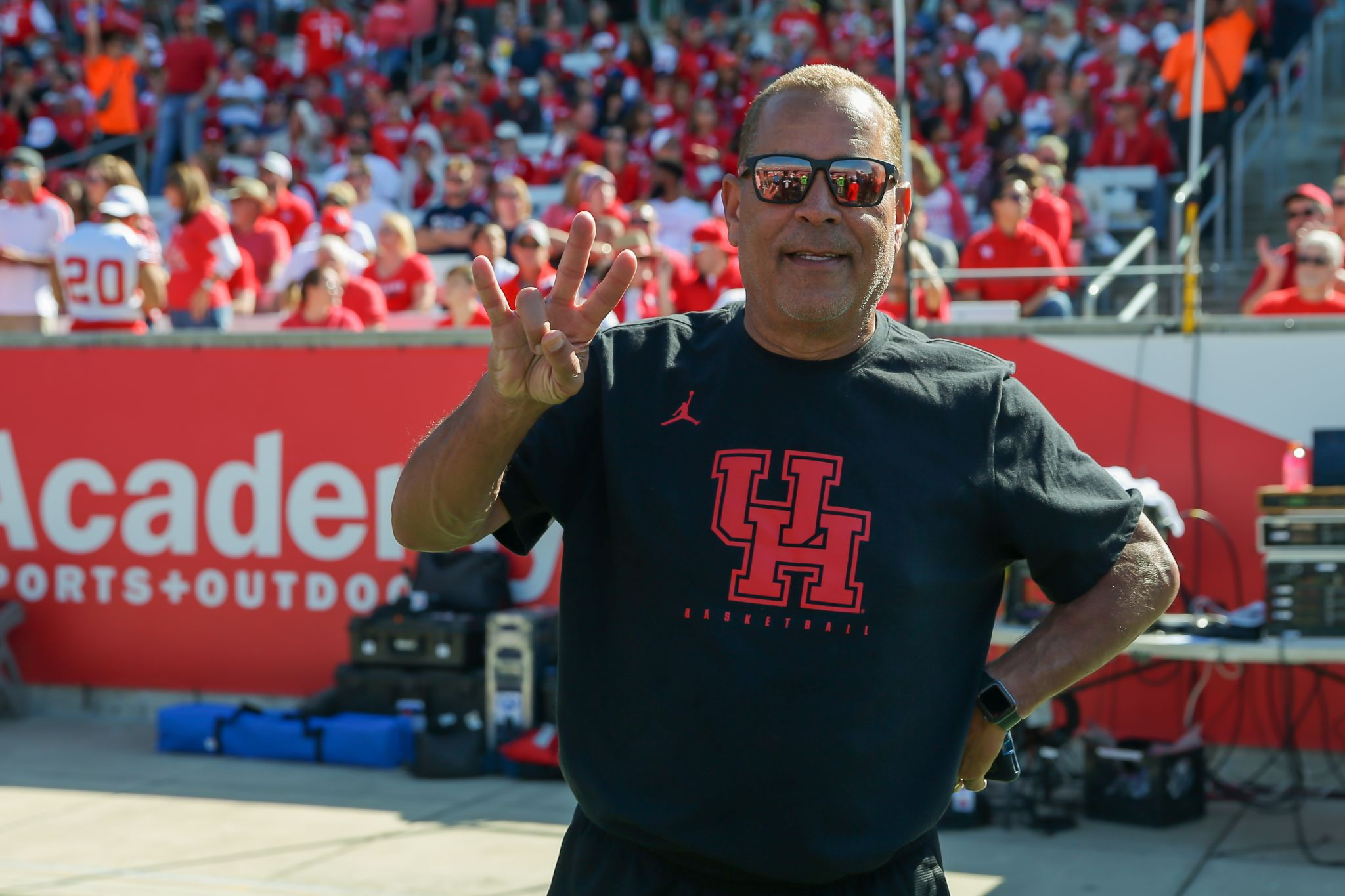 Cougars Mailbag: Repeat after me ... UH is a basketball school