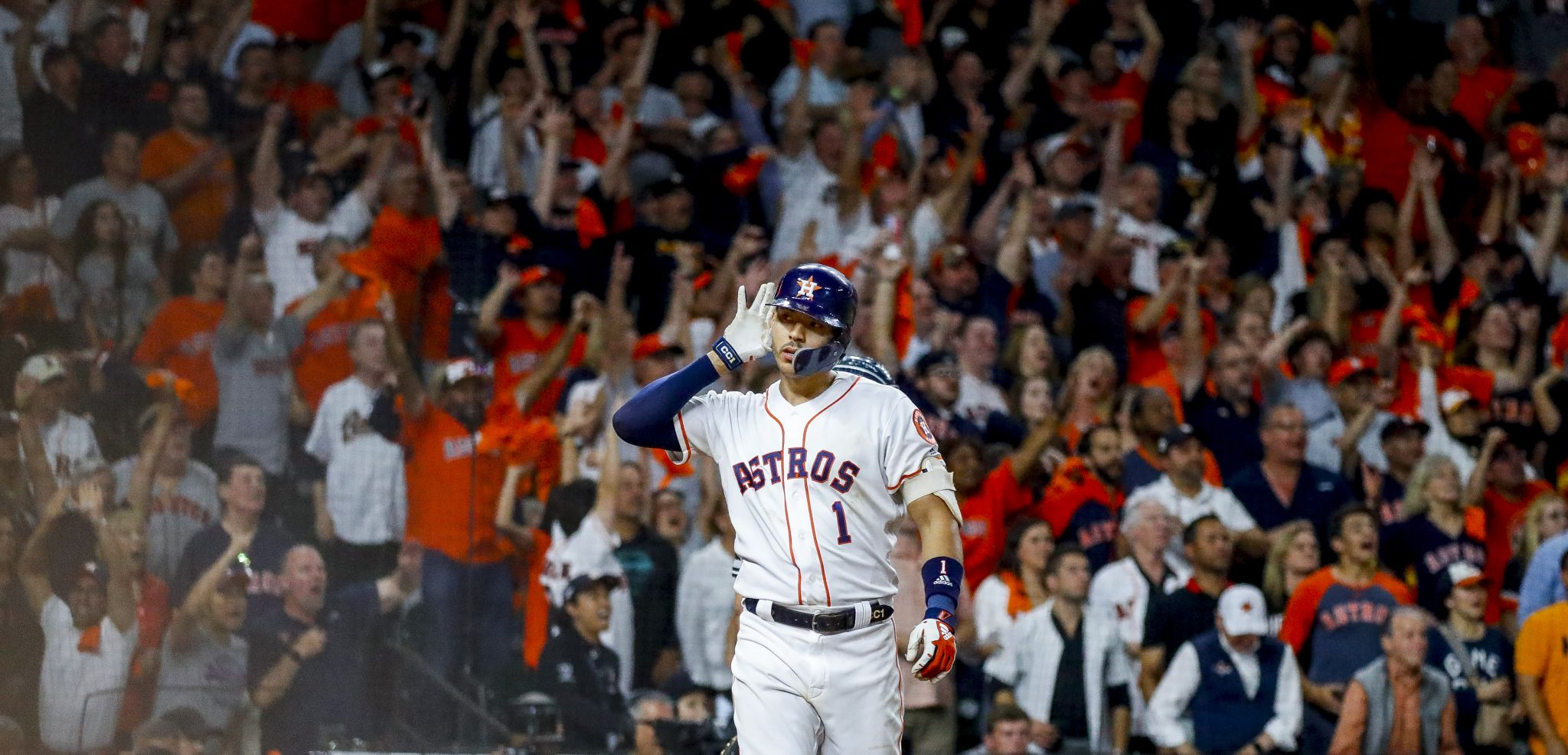 Must-see photos from Carlos Correa's walk-off homer