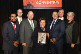 Woodforest National Bank Wins Two IBAT Best of Community Banking Awards for Community Service and Financial Literacy. Pictured front row: Krystian Reyes, Doug Schaeffer, Julie Mayrant, Daniel Galindo and Brenda Wendt from Woodforest National Bank Pictured back row: Christopher Williston, President and CEO, and Ronnie Miller, Immediate Past Chairman from Independent Bankers Association of Texas.