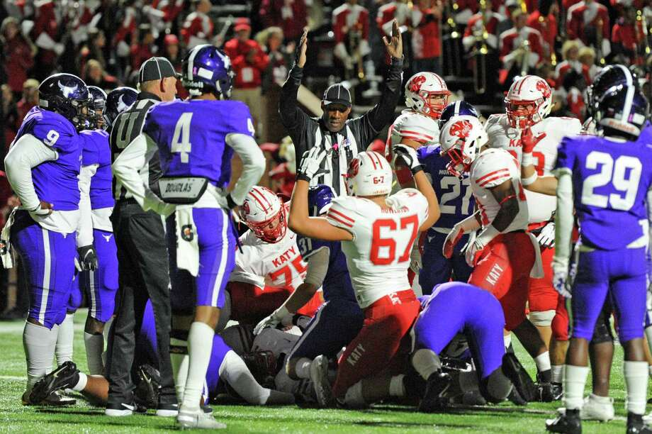 PHOTOS: Last week's high school football action The Katy Tigers score a touchdown during the first quarter of a 6A Region III District 19 football game between the Katy Tigers and the Morton Ranch Mavericks on Friday, October 11, 2019 at Rhodes Stadium, Katy, TX. Photo: Craig Moseley, Houston Chronicle / Staff Photographer / ©2019 Houston Chronicle