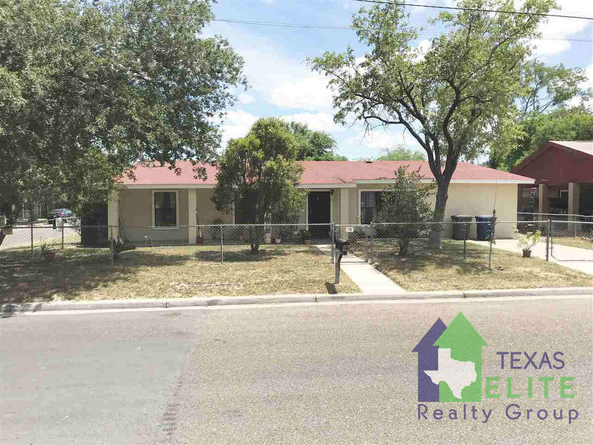 2819 Gustavus St.Click the address for more information Amazing Home in desirable Heights area. Home features 5 bedrooms 4 bathrooms 2 living rooms and so much more! the lot that this house sits on is 9,645 sq.ft. There is also a storage room that is about 110 sq.ft. Make your appointment today!! Ernie Rendon: (956) 286-6692, ernie@txeliterealty.com