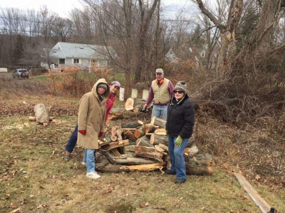 Graveyard Restoration Committee is looking for volunteers. Photo: /