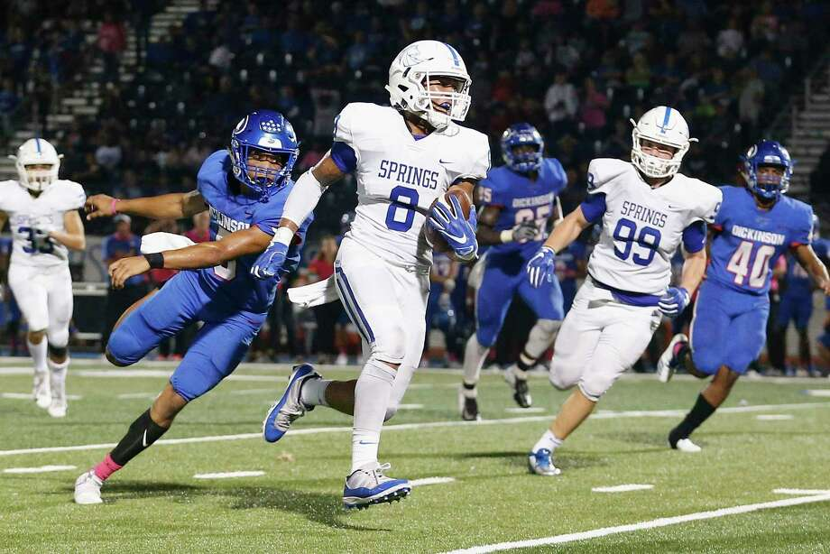 Clear Springs' Lionell Frederick (8) intercepted a pass in the fourth quarter and returned it for a touchdown as part of a 35-point rally last year in a win over Dickinson. The teams meet again Friday at Challenger Columbia Stadium. Photo: Tim Warner, Houston Chronicle / Contributor / ©Houston Chronicle