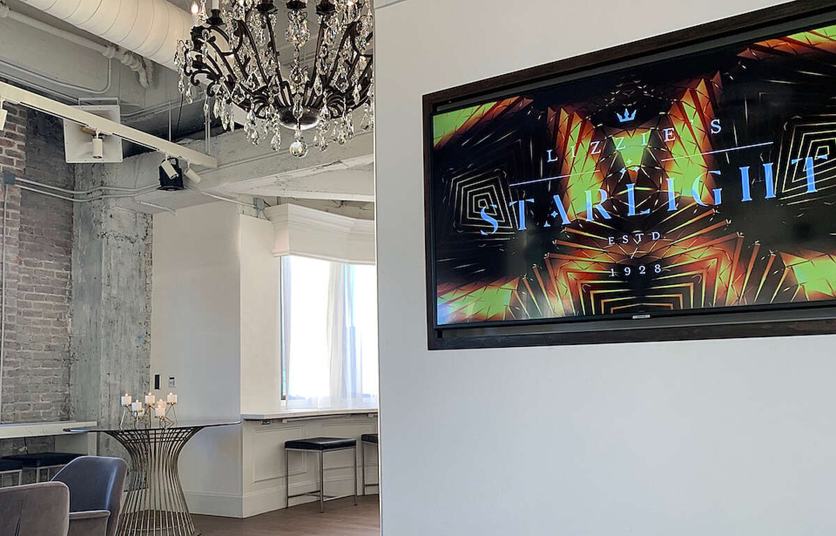 """The Starlight Room has been revamped and re-dubbed """"Lizzie's"""" for an alleged royal affair.   Photos: Carrie Sisto/Hoodline"""
