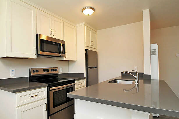 3711 Fruitvale Ave. | Photo: Apartment Guide