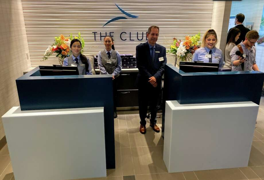 Entry into the Club SJC near gate A8 at San Jose Airport Photo: Chris McGinnis