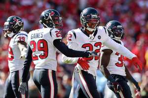 Texans cornerback Lonnie Johnson (32) celebrates after the defense forced a three-and-out against the Chiefs during the fourth quarter of Sunday's game.