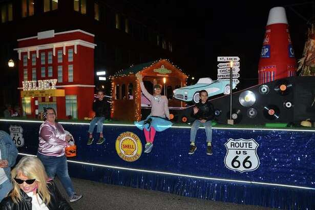 It was a chilly night last year but it did not stop the community for coming out full force to enjoy the Edwardsville/Glen Carbon Chamber of Commerce Annual Halloween Parade. Several floats took home top honors.