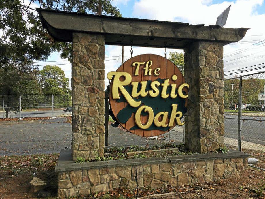 pc-rustic oak