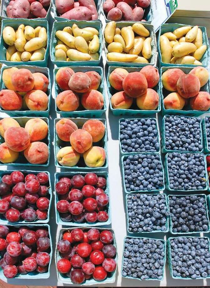 Photo by Peter Casolino Fresh Fruit from Geremia Gardens (Southington) at the Wallingford Gardener's Market.