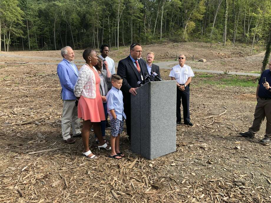 U.S. Rep. Rosa DeLauro and Hamden Mayor Curt B. Leng discussed the decision by the Federal Emergency Management Agency to reimburse communities, but not, at least at the moment, private homeowners after the May tornado.