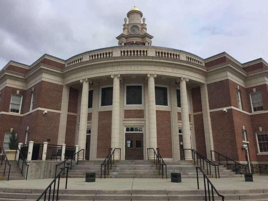 Memorial Town Hall in Hamden