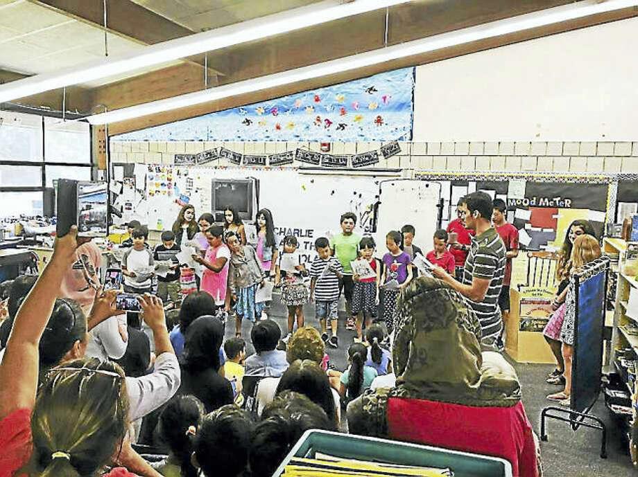 Photo/Elizabeth Lapman. Students in the language enrichment program at Shepherd Glen Elementary School in Hamden.