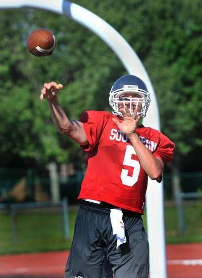 Photo by Melanie Stengel/Register SCSU quarterback Kevin Lynch.