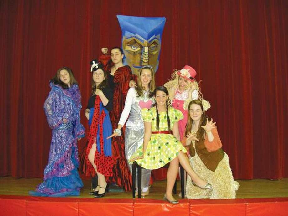 Photo courtesy of Frances Saukas, Producer Left to right: Kayla Hansen as Aunty Em/Glinda; Tess Cersonsky as Addaperle; Natalie Pacileo as Evillene, the Wicked Witch of the West; Katie McCarthy as the Tin Man; Samantha Bowers as Dorothy; Hannah Kolb as the Scarecrow; Maggie McAndrew as the Lion.
