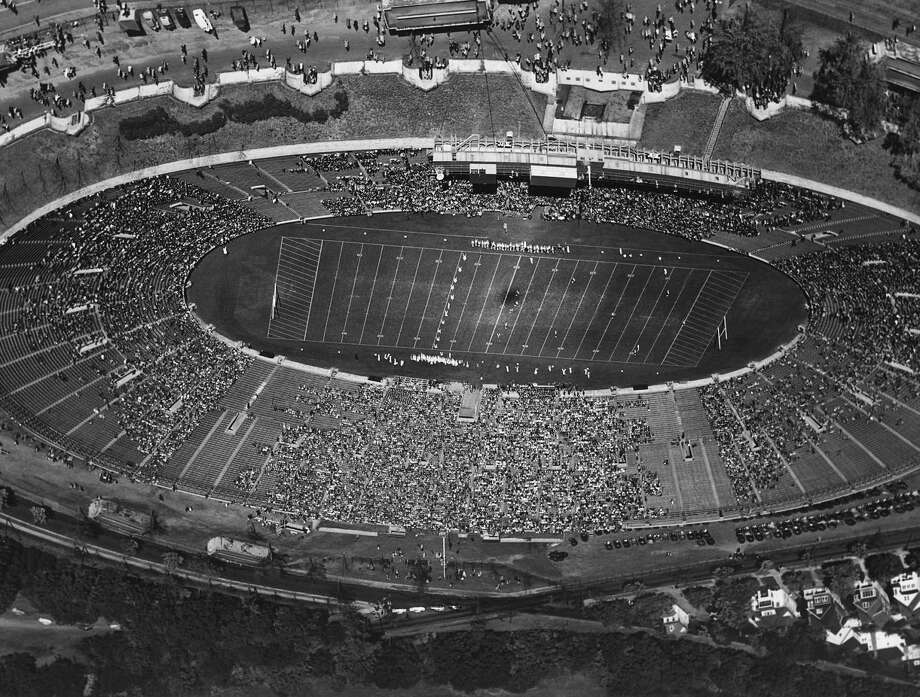 The Yale and Cornell teams line across field for opening kick off at the Yale Bowl in New Haven, Ct., Oct. 22, 1922. (AP Photo)