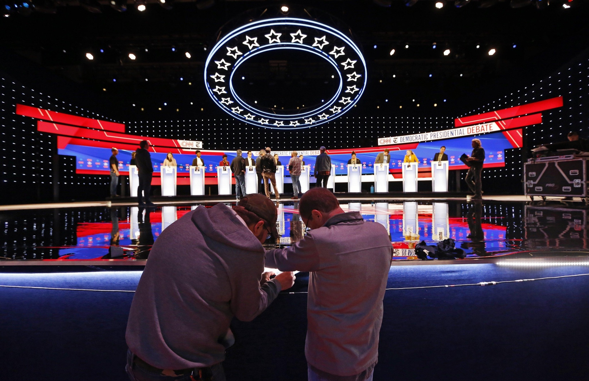 Connelly: Warren takes, and handles, incoming fire in Democrats' latest debate