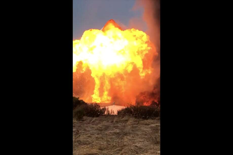 A video taken by Timothy Clark shows the explosion at NuStar Energy's facilities in Crockett on Tuesday, Oct. 15, 2019. Photo: Timothy Clark / YouTube