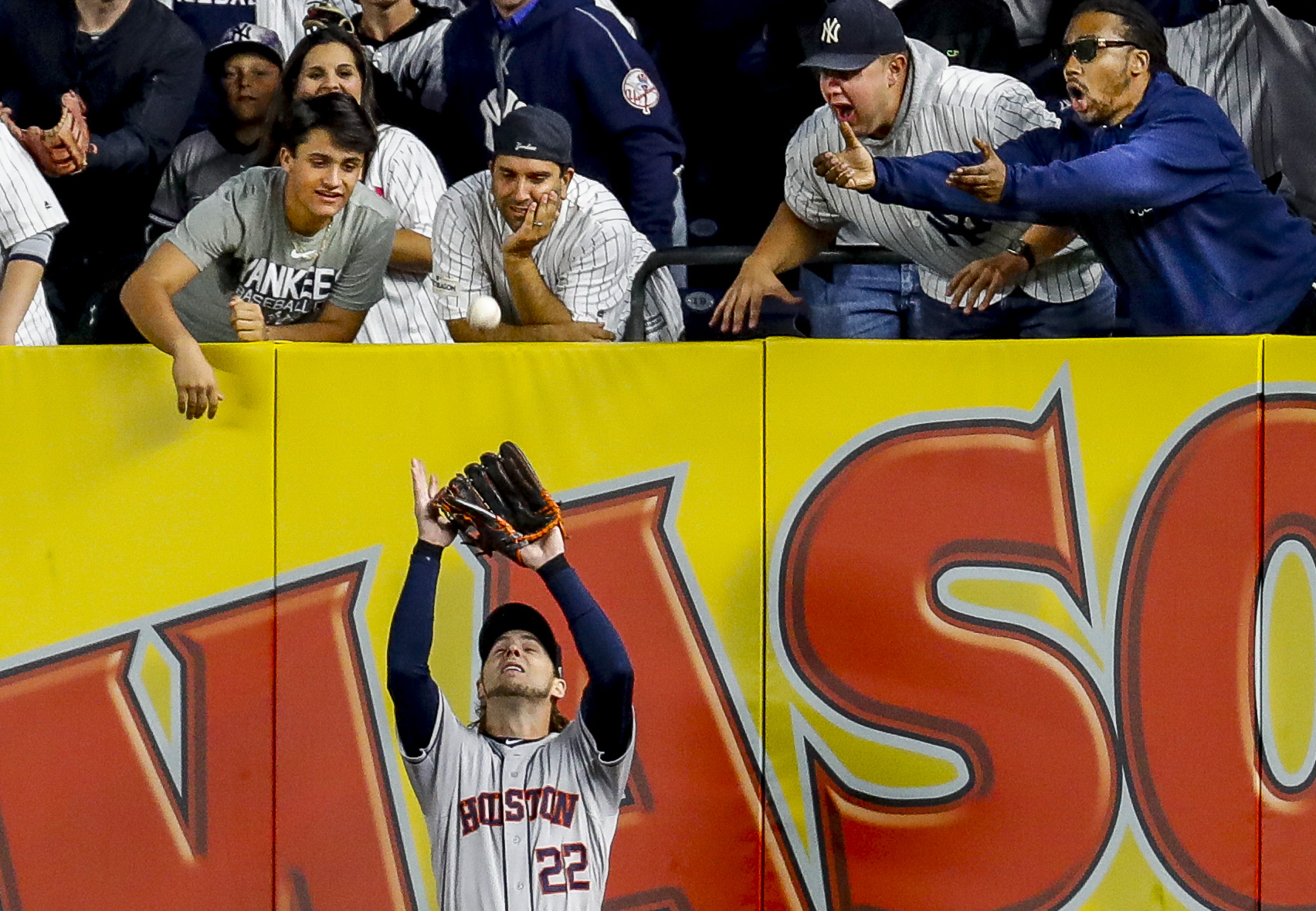 How to get a full-size print of Reddick's catch in Game 3 of the ALCS for $2